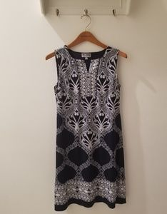 EUC JM Collection Navy and White Shift (MP)